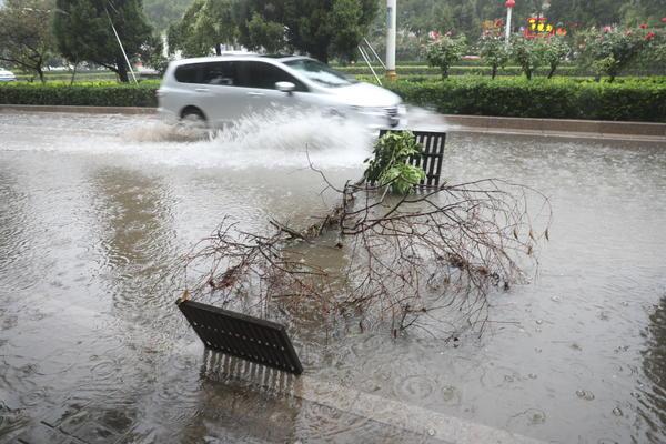 商丘突降大暴雨 最大降水量已突破186mm