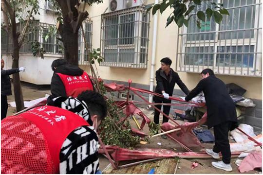 《【摩登4品牌】郑州市杨金路街道:环境清洁大扫除 志愿服务暖人心》