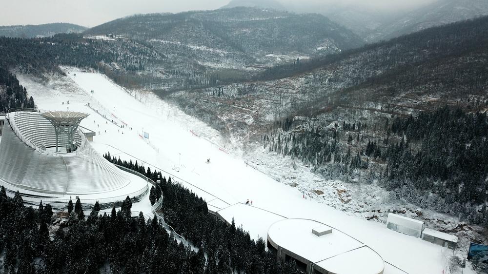 嵩山滑雪场全景