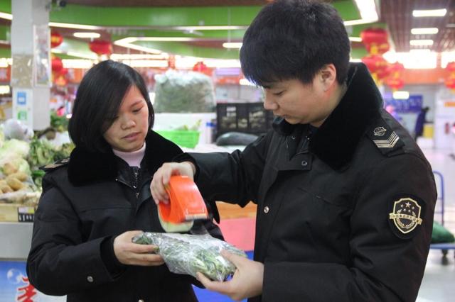 经开区食药监局加强春节食品抽检