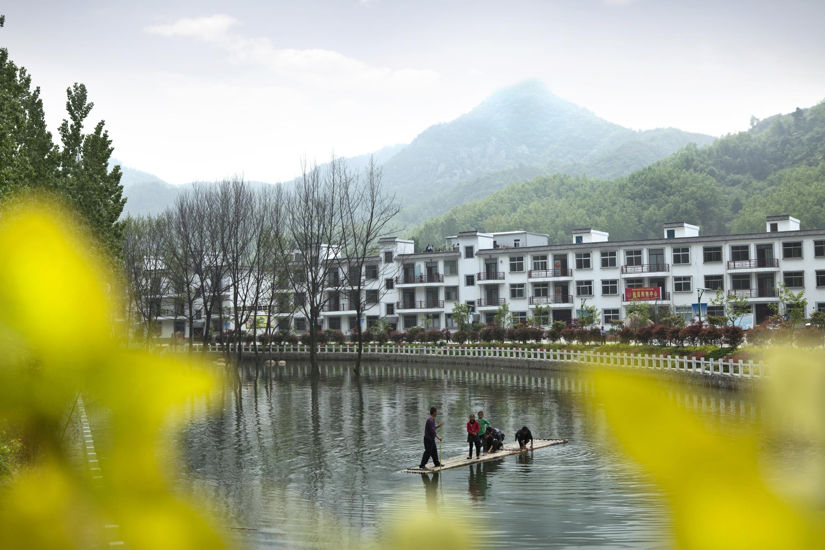 pk10app下载:鲁山县:全力发展旅游扶贫_绿水青山成群众的幸福靠山