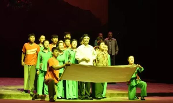 金沙国际网上娱乐:渑池大型现代曲剧《大山的儿子》下月亮相京城___河南唯一参演节目