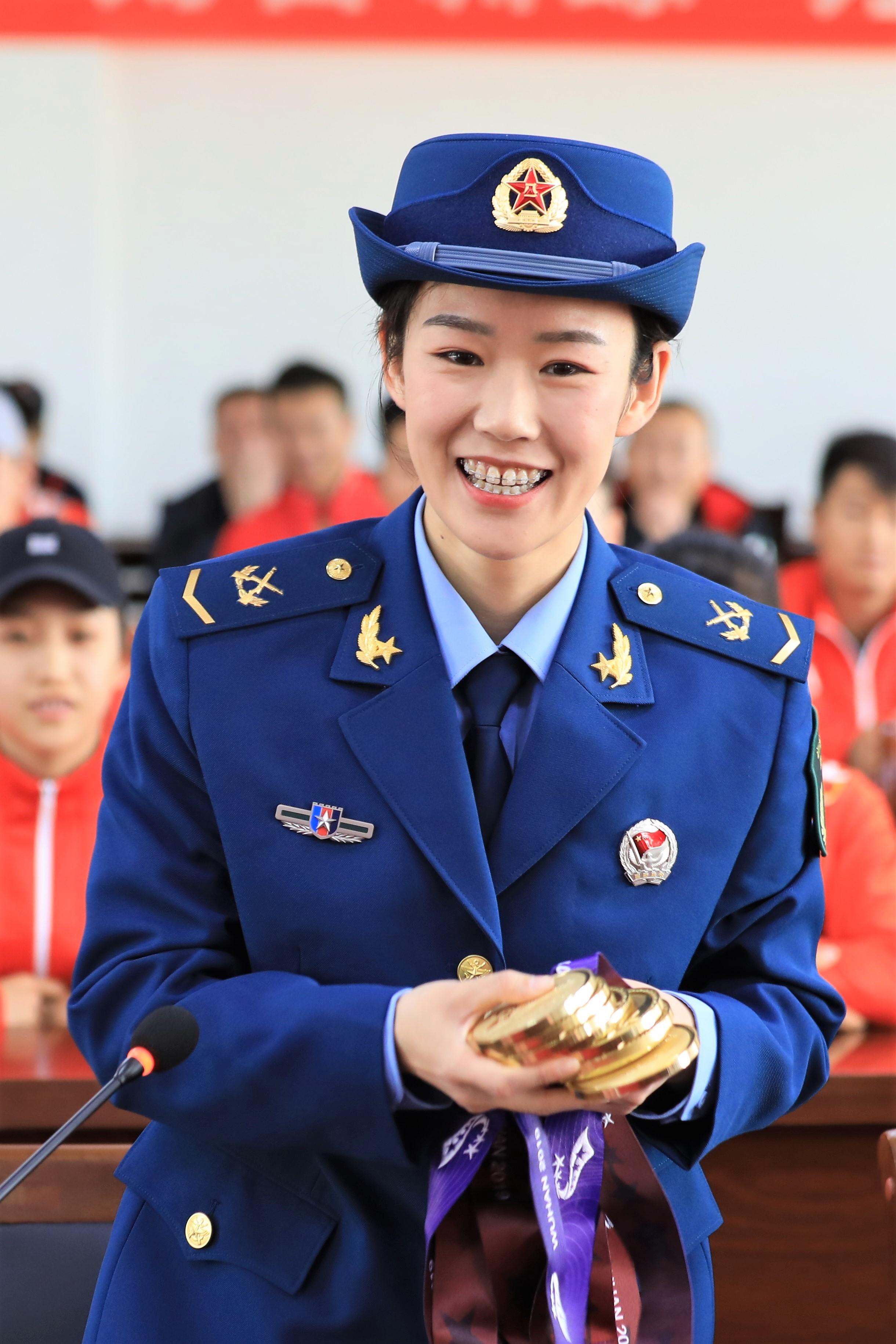 军运会拿下8枚跳伞金牌,这个郑州姑娘不靠颜值靠实力