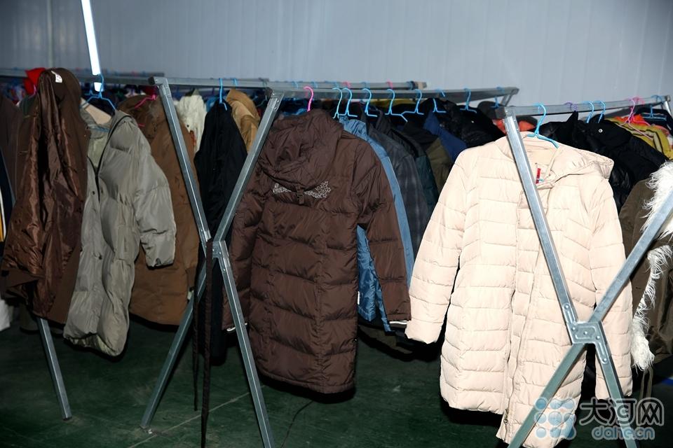 图六:清洗好的衣物进行消毒
