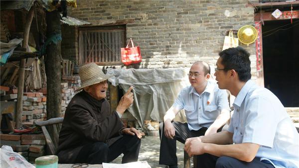 """重庆时时彩9.7倍玩法:""""基层法庭巡礼""""之邓州构林法庭:_架起法官与群众之间的""""连心桥"""""""