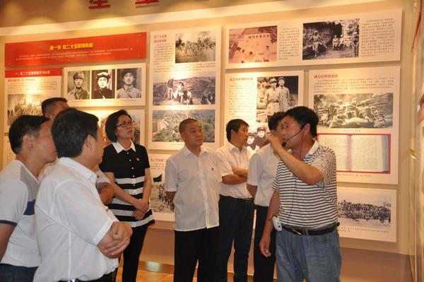 灵宝市三院在朱阳革命历史纪念馆参观