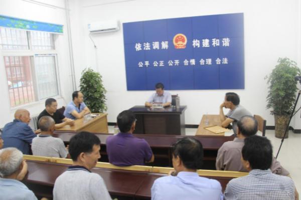 狂口社区社会法庭正在进行矛盾调解 (2)_meitu_1