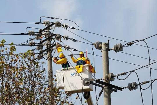 澳门新金沙注册:新郑市供电公司逐步实行带电作业常态化
