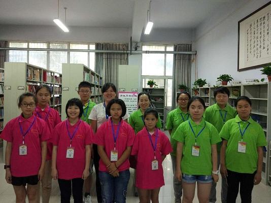 暑期小志愿者合影