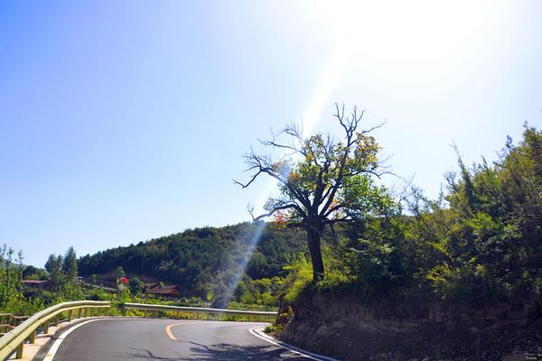 """太行大峡谷再现""""初秋蓝"""",美出新境界"""
