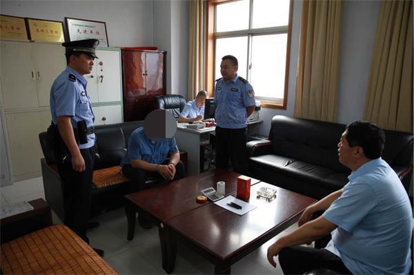 老赖被拘留。