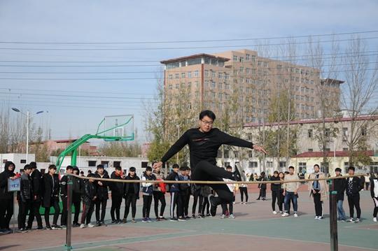跳高运动员