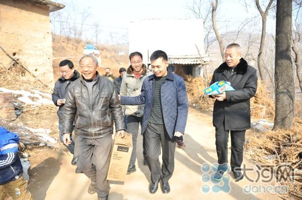 大通彩票怎么注册:汝州法院领导到米庙镇于窑村开展精准扶贫调研工作