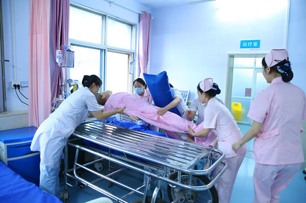 幸运飞艇技巧绝杀:三门峡市举行首场危重孕产妇及新生儿应急转运演练