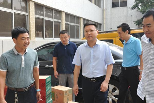王耀东总经理慰问东风供电所
