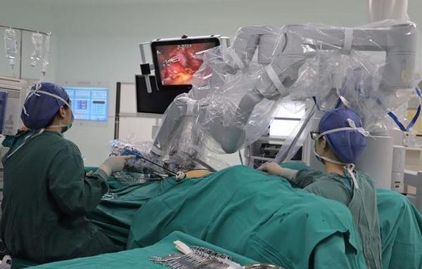 郑大一附院再添2台达芬奇手术机器人,数量排名全国第2位!