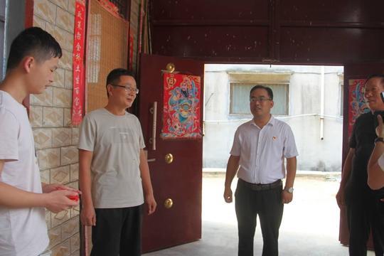 新郑市贫困学子考上清华大学,他是怎样做到的?