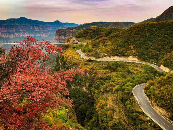 太行大峡谷秋色惊艳全国