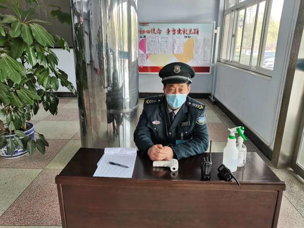 《【摩登4公司】荥阳市豫龙镇抓实秋冬季疫情防控工作》