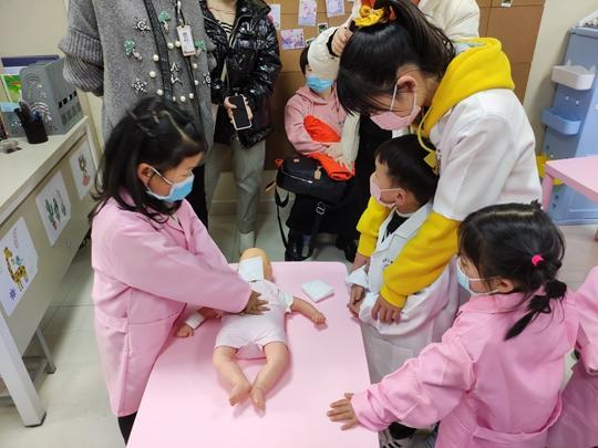 《【摩登4平台网】郑州市未来路街道组织青少年开展生命健康教育体验》